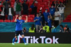 Soccer-Substitutes spare Italy's blushes in 2-1 win over Austria