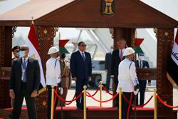 Sisi makes first visit to Iraq by Egyptian leader in decades