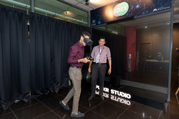 The EDEX station (extended educational experience) at XR Studio.