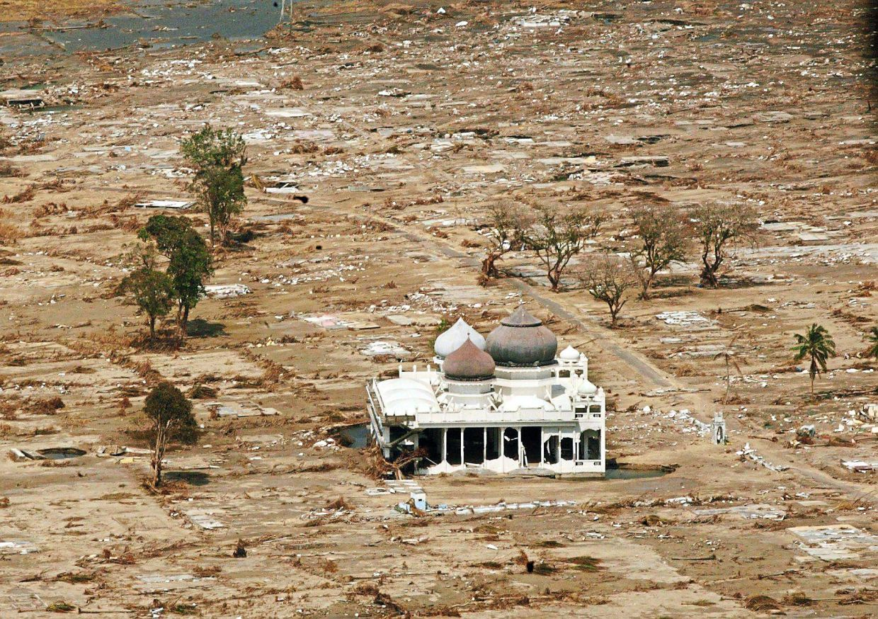 Meulaboh, a coastal city in West Aceh, was hit the hardest during the 2004 earthquake as it was closest to the epicentre. The area was reduced to a wasteland but this mosque stood untouched.