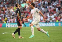 Soccer-Spain beat Croatia in eight-goal thriller as Morata answers critics