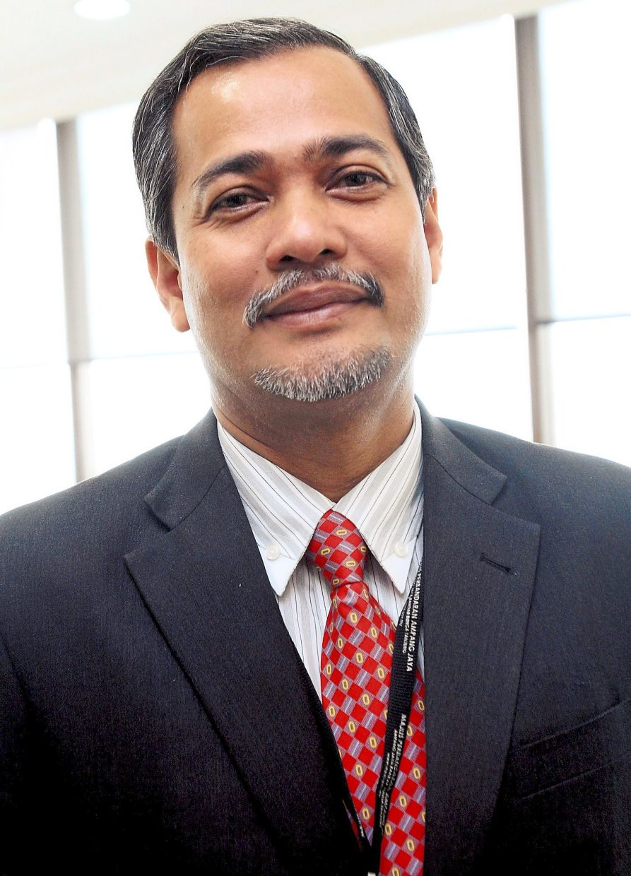 Abd Hamid says 15 councillors MP Sepang had spent RM5,000 from their RM70,000 annual budget to provide essential items to those affected by the Covid-19 pandemic.