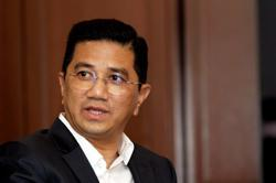Azmin fails to strike out lawsuit by 10 Gombak voters