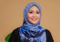 Singer Siti Nordiana in full support of white flag movement