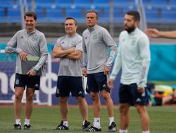 Soccer-Luis Enrique talks up Swiss unity