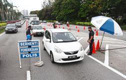 EMCO: Selangor police chief warns of more roadblocks ahead but no barbed wire