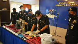 Penang cops bust drug syndicate, seize RM400,000 worth of narcotics