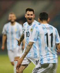 Soccer-Argentina beat Ecuador 3-0 to move into Copa America semi