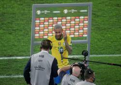 Soccer-Neymar wants Brazil to face Argentina in Copa America final