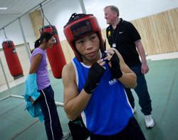 Olympics-Boxer Mary Kom, hockey captain Singh named India's flagbearers