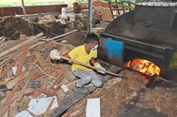 Bee hoon manufacturers struggle to keep furnaces going