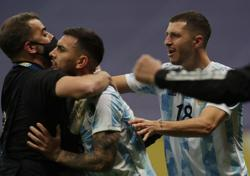 Soccer-Argentina beat Colombia in shootout to reach Copa America final