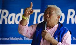 Sabah Umno's two MPs to toe party line, withdraw support for PM