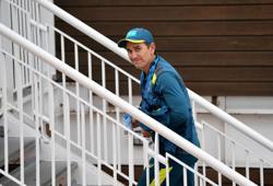 Cricket-Langer keen to continue as Australia's head coach, despite criticism
