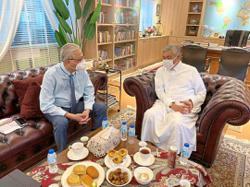 Umno's political shadow play