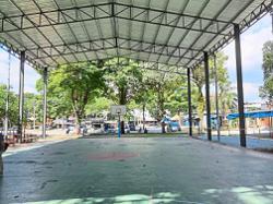 Miffed over eateries' presence near basketball court