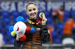 Farah zooms in on Olympic preparations in style