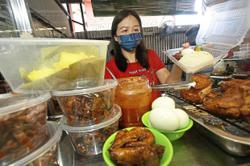 Beautician now makes a living selling nasi lemak