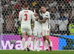 Soccer-FA condemns racist abuse of players after England's Euro 2020 final loss