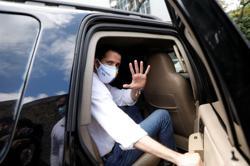 Venezuelan security forces 'threaten' Guaido, arrest ally, opposition says