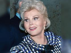 Actress Zsa Zsa Gabor's ashes buried in Budapest 5 years after her death