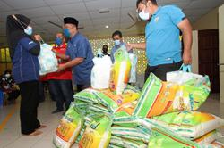 Help pours in for flood victims