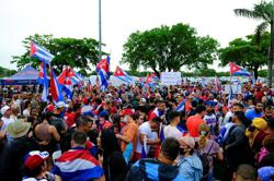Demonstrators block traffic in Miami area to support Cuban protesters