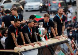 Italy players insisted on open bus tour after Euro 2020 triumph despite COVID risk -Rome prefect