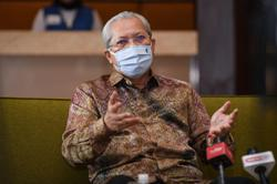 Covid-19: Special officer tests positive, Annuar Musa undergoing self-quarantine at home