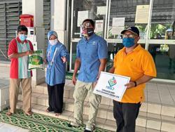 Subang Jaya City Council presents food baskets to B40 families