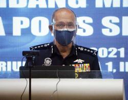 Selangor cops to conduct stringent checks at roadblocks to stop 'balik kampung' attempts
