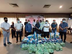 Kapit Hospital gets five ventilators from Domestic Trade Ministry