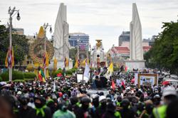 Protesters denounce Thai PM for pandemic handling; clash with police