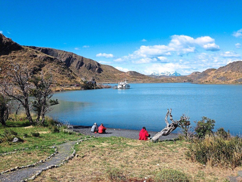 Lake Pehoe in the Patagonia region is beautiful. — CLAUDIO LOPEZ/Pixabay