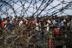 Bangladesh plans to vaccinate Myanmar Rohingya refugees against Covid-19