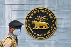 Private Indian lenders seen trouncing state peers