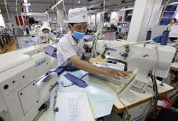 Vietnam rolls out interest-free loans for companies to pay salaries
