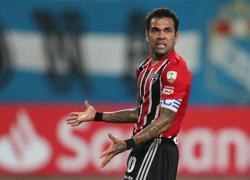 Olympics-Soccer-Brazil's veteran Alves feels 'butterflies' ahead of Germany opener