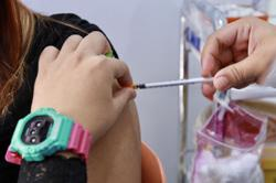 Covid-19: Vaccination centres in S'wak allowed to conduct walk-in vaccinations