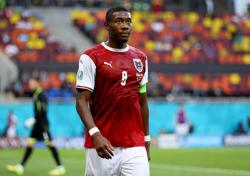 Soccer-Despite shirt number, Alaba says he is not at Real to replace Ramos