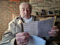 Argentine grandfather, 100, keeps handwritten notes of every Messi goal