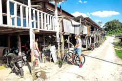 Rural folk in Sibu receive jabs from mobile unit