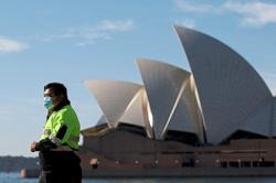 Australia's economic recovery under threat
