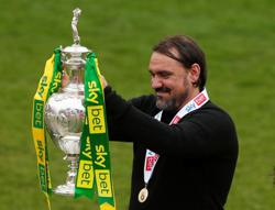 Soccer-Norwich City manager Farke signs four-year extension