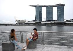 Marina Bay Sands casino closes as virus spreads in Singapore
