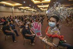 Staff, volunteers at Unimas vaccination centre dress up to celebrate Sarawak Day