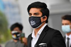 After being charged, Syed Saddiq advises politicians not to become 'frogs'