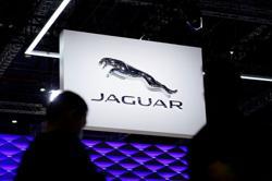 Motor racing-Jaguar signs up for new era of Formula E