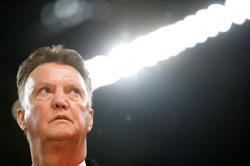 Soccer-Van Gaal set for dramatic Dutch return