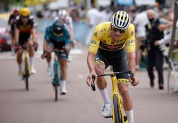 Olympics-Cycling-Van der Poel leaves it late for MTB race